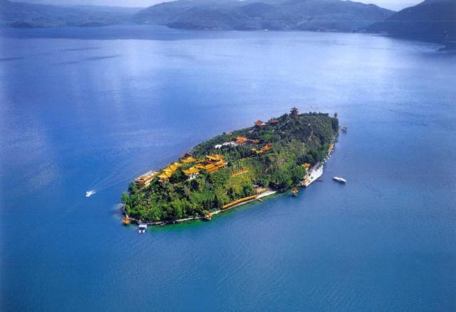 云南最美丽的湖泊,超清水质秒杀洱海和泸沽湖,关键人
