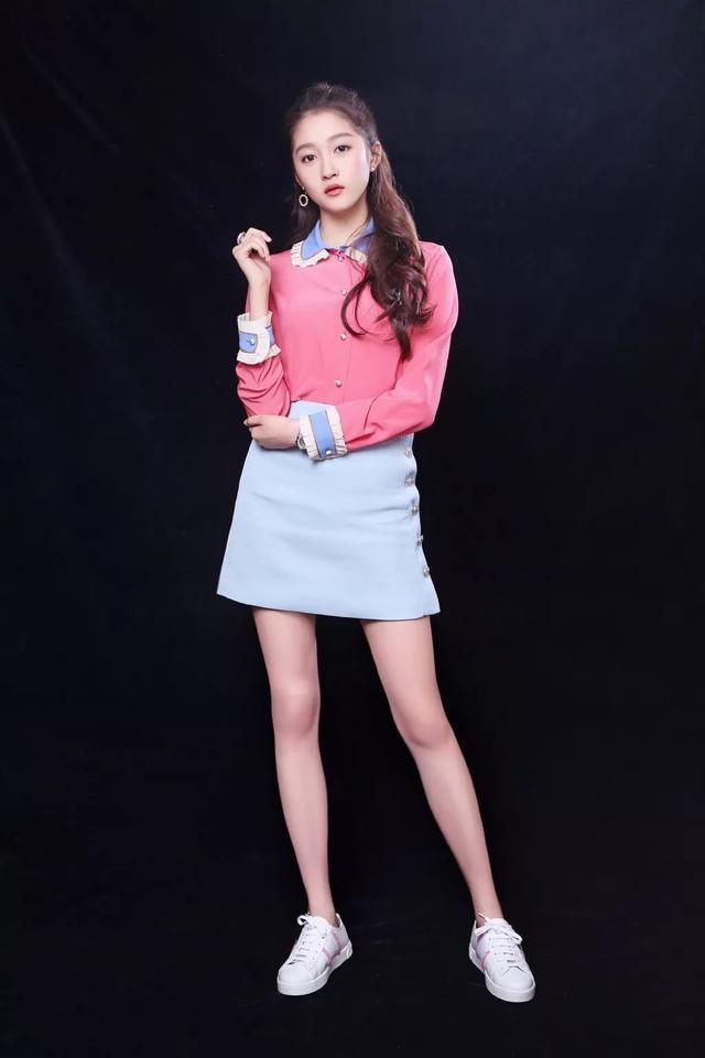 中青看点 时尚频道 > 正文   服装搭配:衬衫 裙子搭配满足你春季所有