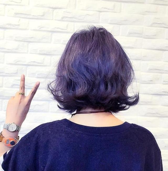 夏天不是不适合烫发,而是多数人觉得只有长发才能烫,齐脖发烫卷之后会图片