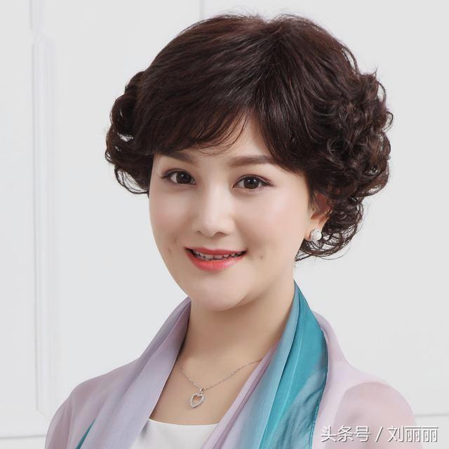 30岁40岁50岁女性发型这样剪,时尚,优雅,有气质图片