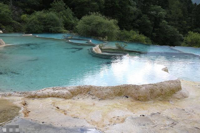 牟尼沟位于四川省阿坝藏族羌族自治州松潘县境内