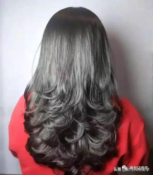 2019烫烫发尾是主流,30款流行发型送给你!烫完都说美!图片图片