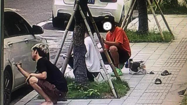 「钱江晚报」喷一喷车漆就补好了?这段网红视频摊上事,浙江3个小伙被叫进警察局