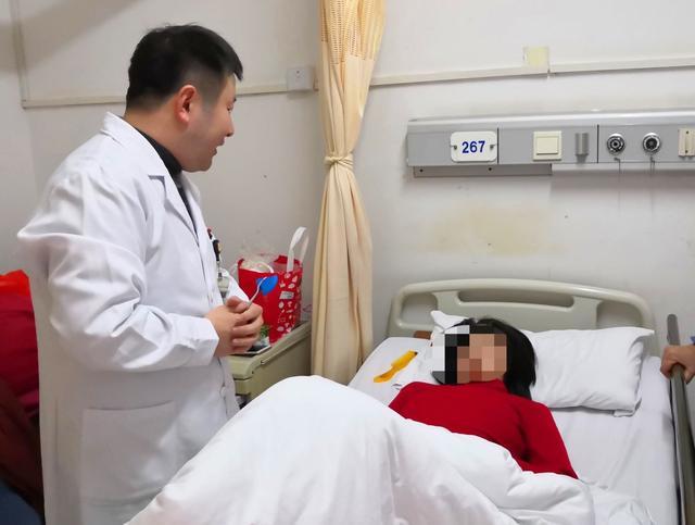 『上观新闻』一场感冒后,她竟然昏迷、高热、大出血了两个月