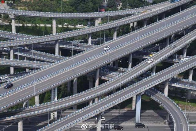 #光明网#8D魔幻城市重庆代表性地标:让导航绝望的重庆立交桥