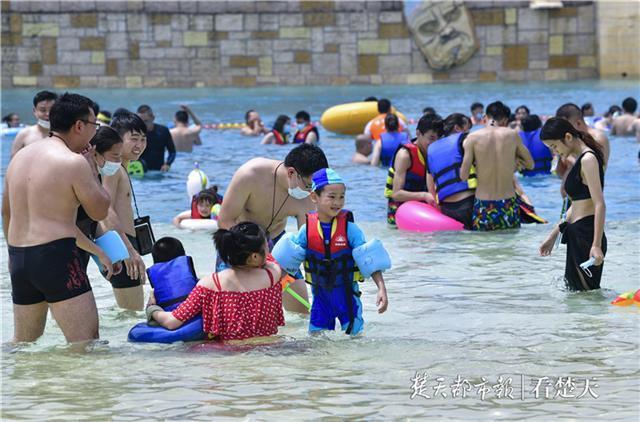 难免轻狂:湖北省文旅行业稳步复苏,多个景区致敬抗疫英雄