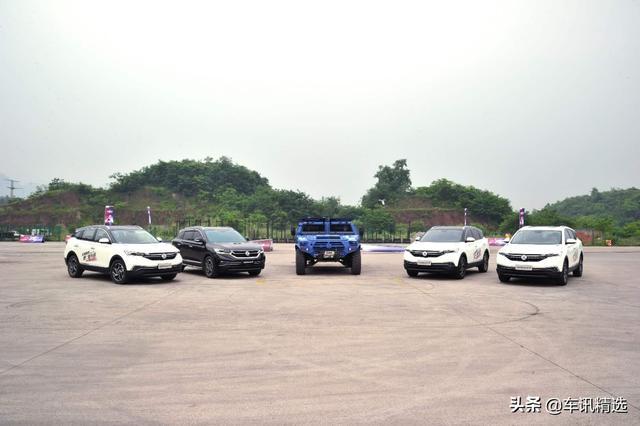 「车与大法师」东风风神AX7对战东风猛士,谁能获胜?
