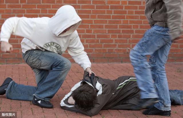 超级宝妈■哪些孩子比较容易受到校园暴力?牢记2点,让孩子远离校园暴力