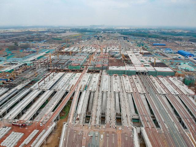 新华网客户端@中铁四局郑州南站车场高架主体工程完工