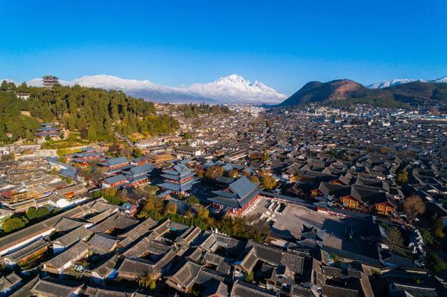 趣旅游@丽江古城、玉龙雪山等景区有序开放,全市旅游行业全面恢复营业!