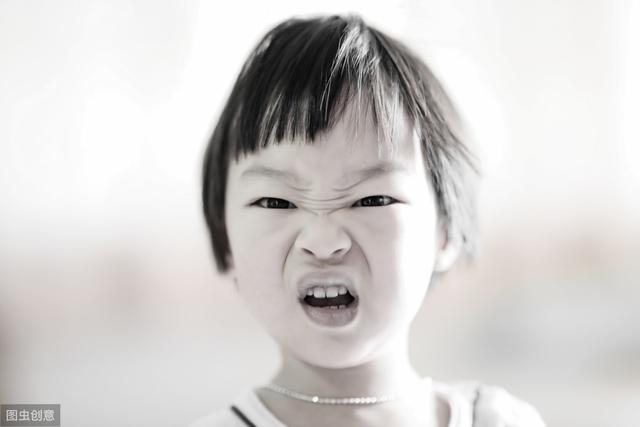 【超级宝妈】3岁娃一顿吃7个鸡蛋,夸孩魔为了夸娃啥都敢说,你身边有夸孩魔吗