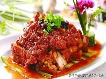 美食推荐:老干妈酱排骨、蒜苔炒鱿鱼、豆角炒鸡胗制作方法