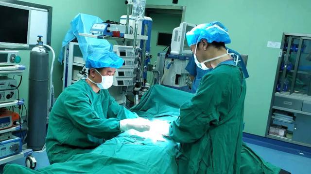 健康直通车:扭转达1080°!岚山区人民医院救治一名睾丸扭转小患者