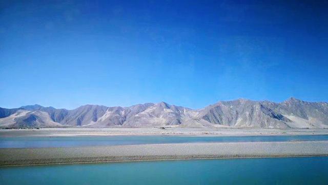 第一次去西藏旅行,哪些经典景点不容错过?