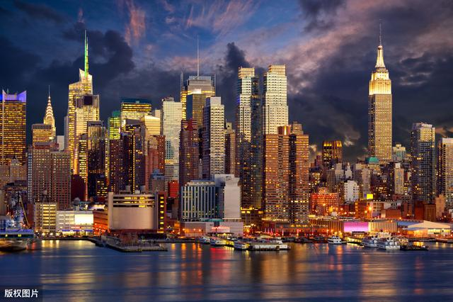 「旅行百事通」美国第一大城市纽约跟中国大都市上海相比,谁更胜一筹呢