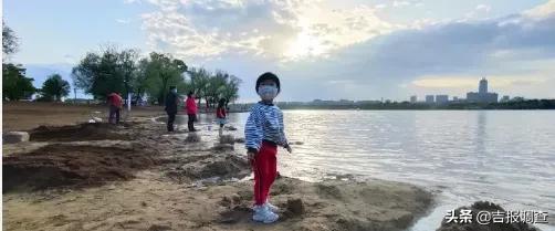 『吉报调查』长春南湖公园沙滩浴场换新沙啦