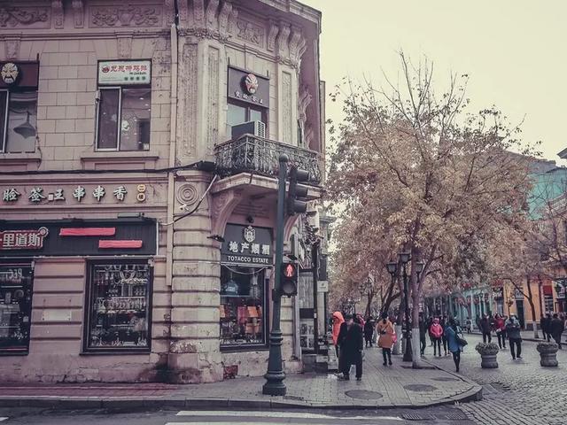 「趣旅游」中国最浪漫的步行街-哈尔滨中央大街