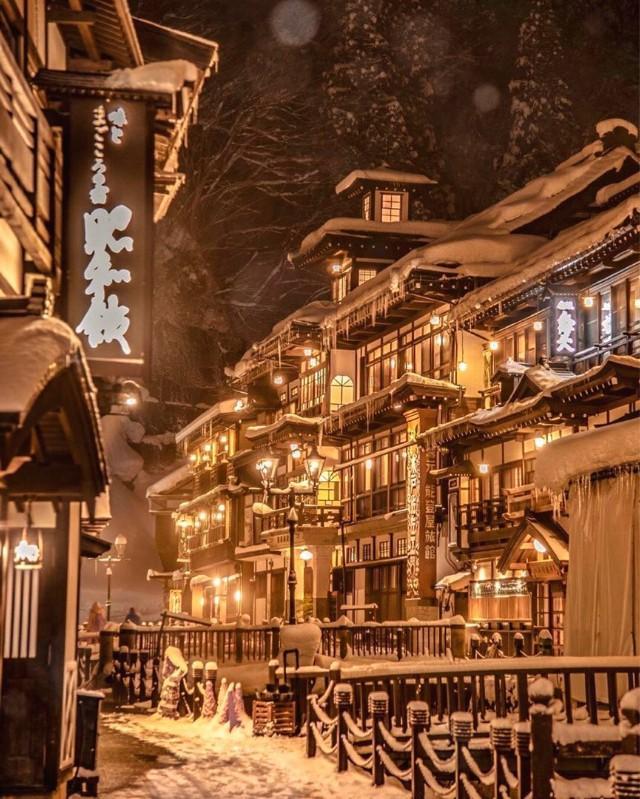 「旅行百事通」日本山形县银山温泉,好像进入了《千与千寻》的世界!
