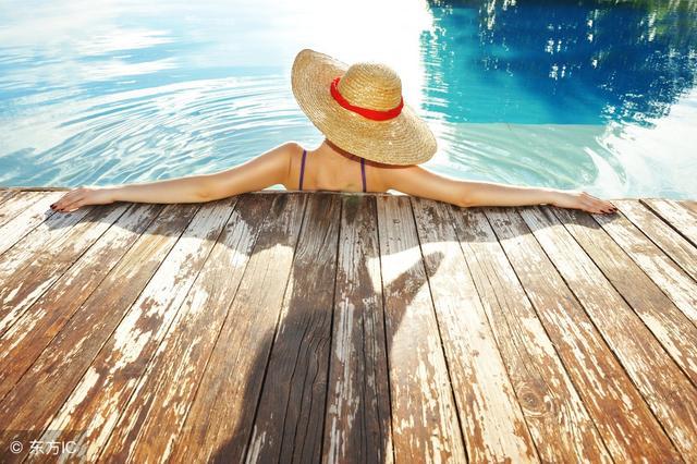 夏天别躲在空调房里,看看出汗的好处,吃药不如出汗