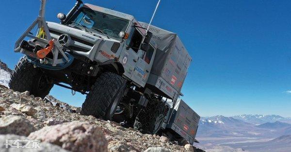 「我爱奔驰大G」征服海拔6700米活火山,刷新世界纪录,带你看看奔驰最