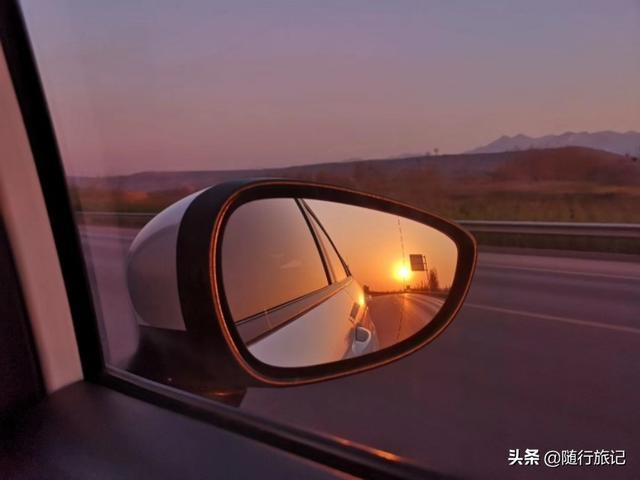 旅行百事通@洛阳王城公园看牡丹,回忆第一次的旅行,坐着拖拉机吐的昏天暗地