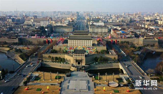 新华网客户端■西安城墙景区有序开放