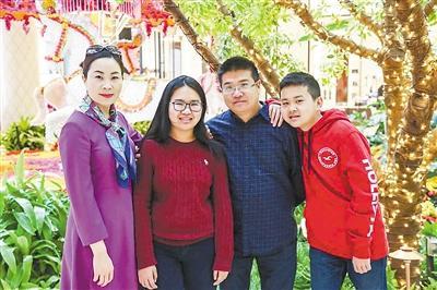 """全国党媒信息公共平台廊坊郭华伟家庭荣获""""全国抗疫最美家庭""""称号"""