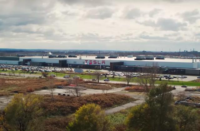 科技俱乐部▲纽约工厂重新开放后,特斯拉一名员工COVID-19检测结果呈阳性