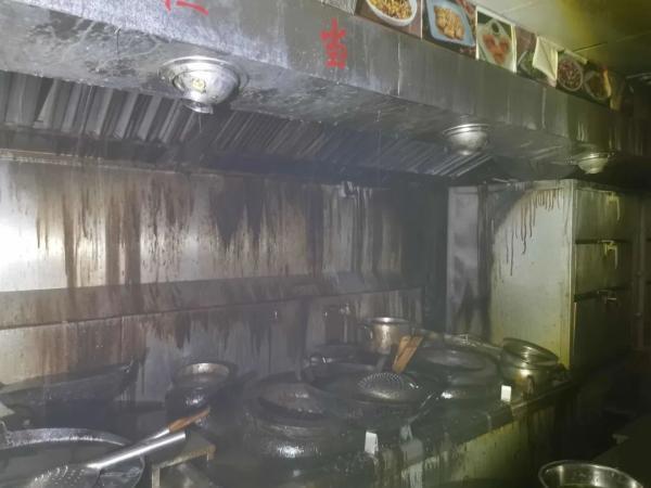 光明网餐厅油烟管道起火,3名员工被拘,只因他们少做了一件事