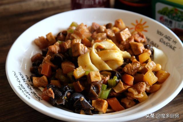 腊八节只喝粥吗?腊八面也很受欢迎,做法简单又好吃,来一碗吧