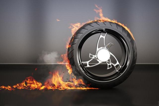 #汽车大咖#高温季节,轮胎的养护工作你做了没?