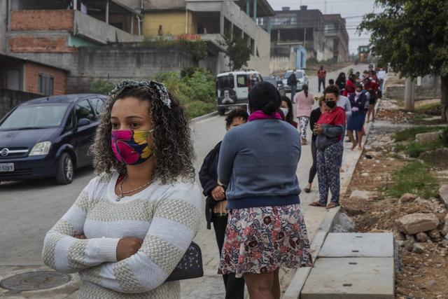环球网巴西新增确诊病例逾2.7万例 累计超67万例