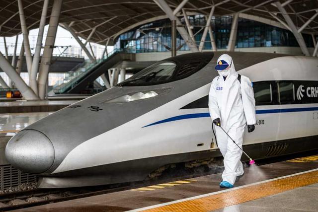 【经济日报】武汉地区火车站4月8日进站通道开启准备工作就绪