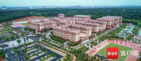 南海网清华附中文昌学校高中部项目预计明年8月交付使用