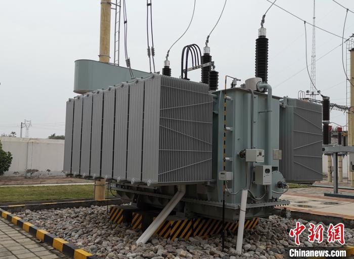 [中国新闻网客户端]高过载节能环保型智能牵引变压器等通过专家鉴定