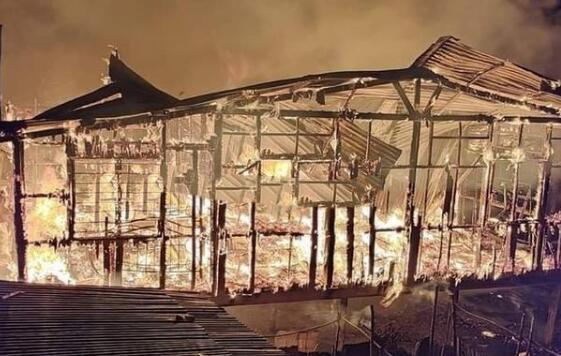 旅行柚子君@痛心!仙本那大火,烧了多少人心中的梦幻天堂