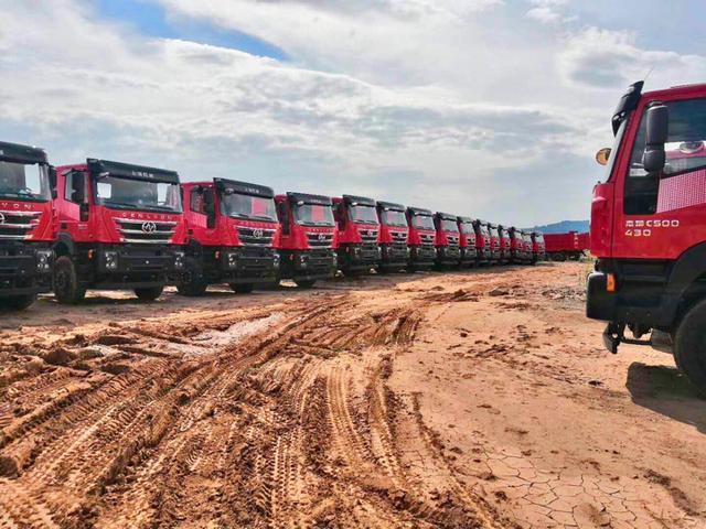 """#中国经济网#用户口中的红岩自卸车 是无所不能的""""工程之王"""""""
