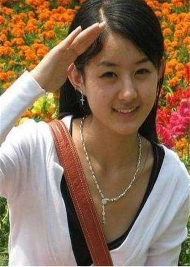 赵丽颖16岁,迪丽热巴16岁,鞠婧祎16岁,看到baby:黄晓明赚大了