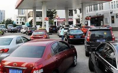 """『小蜜疯汽车』你的车烧的是哪家的汽油?""""中石化""""和""""中石油""""谁更耐烧?"""