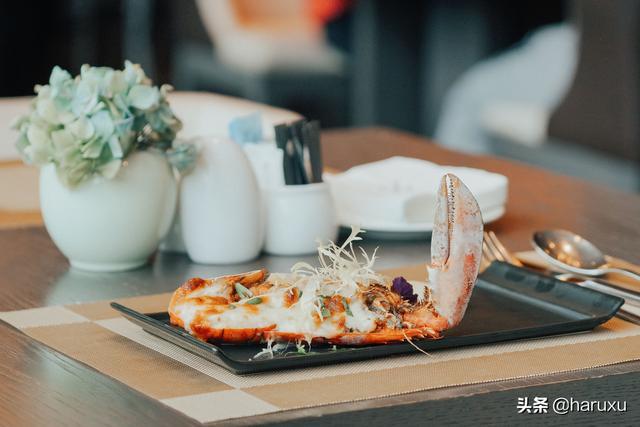 趣旅游▲厦门这家酒店的自助餐厉害了,海鲜畅吃,还会派送龙虾和佛跳墙