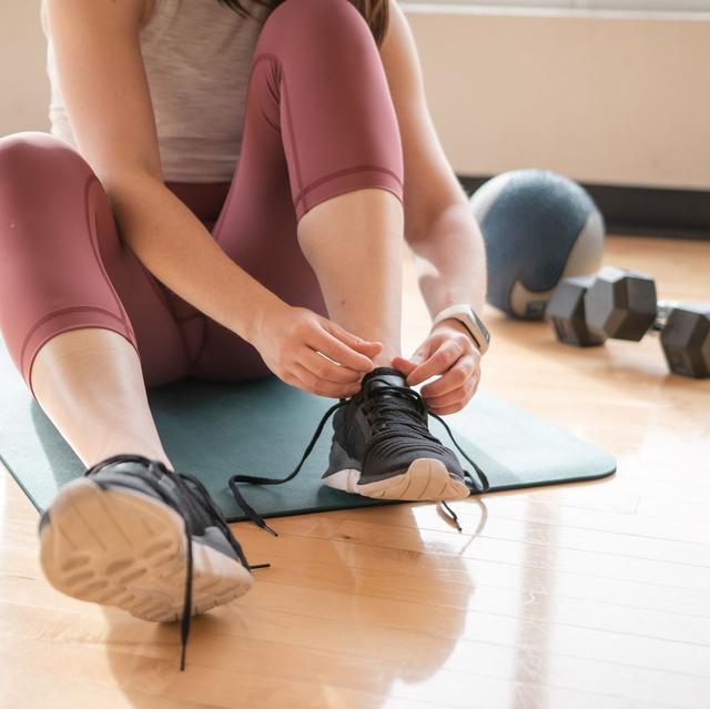 澎湃新闻居家健身如何避免受伤?你的训练空间有5平方米吗