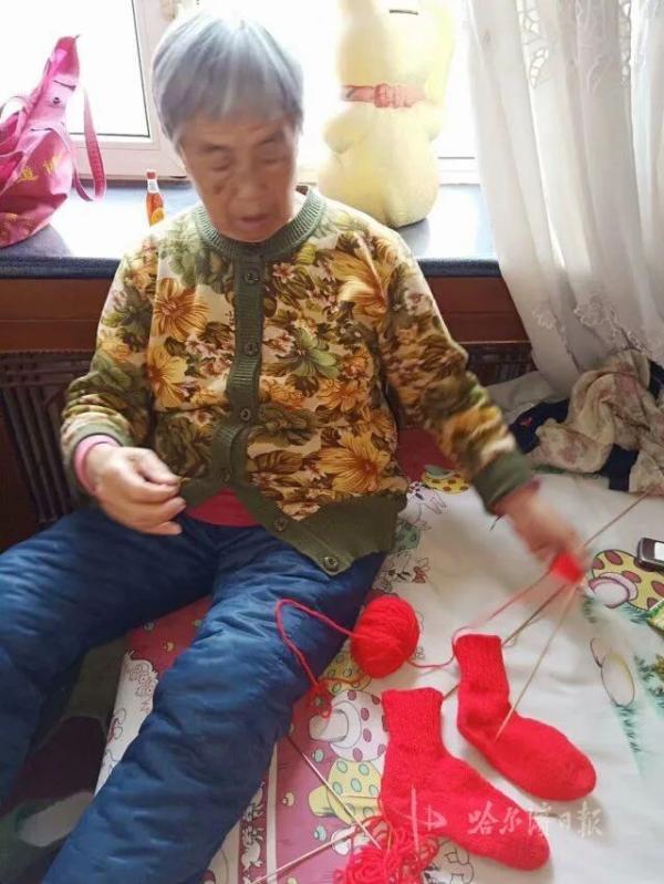 """光明网一家三代人抗""""疫""""齐上阵,""""编内""""""""编外""""无偿志愿服务"""