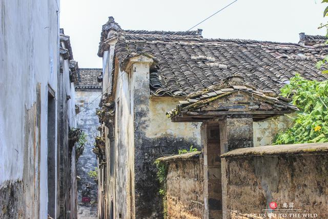 「行路万里」皖南最有特色的古村,一个原仅有十三间房,一个有规模宏大祠堂群