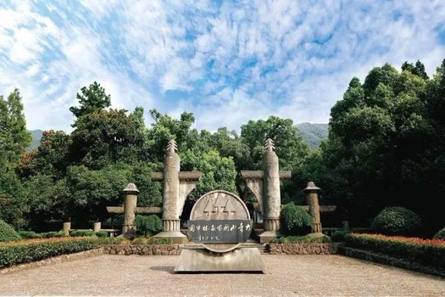 旅行百事通:大奇山、桐君山明日起将对外开放,游客需戴口罩参观游览