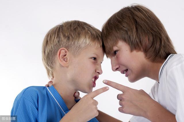 """""""我再也不跟你玩了""""孩子被别的小朋友威胁,只需教他这句话"""