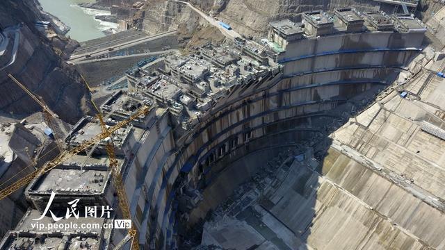 「人民网」国家重大项目建设:白鹤滩水电站抓紧建设