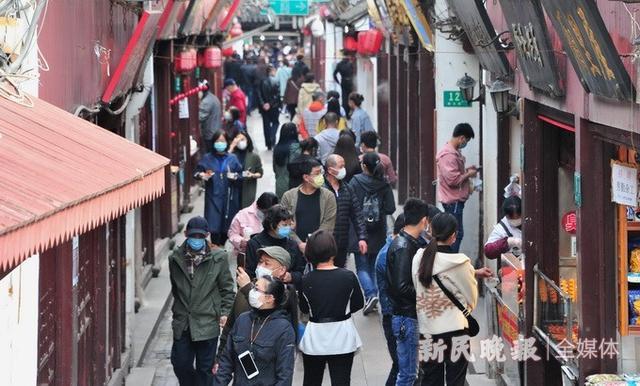 「新民网」七宝古镇恢复开放 老街人气逐复苏