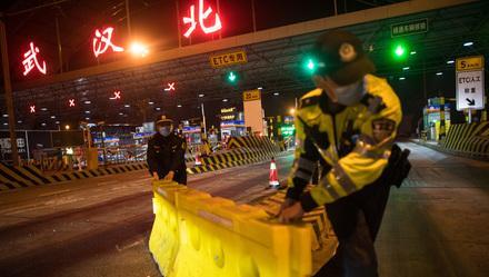 """#上观新闻#武汉""""解封""""这天,BBC发了一段视频,有人看完说""""武汉人了不起"""""""