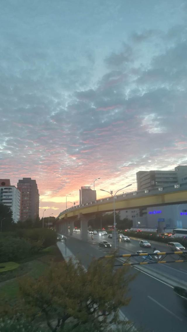 马甸桥的早晨