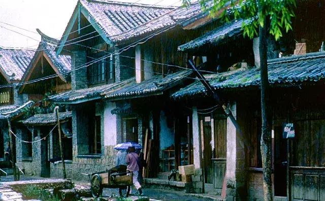 1987年丽江珍贵老照片:这才是真实古朴的丽江古城